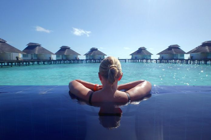 Holiday-The Maldives Water Pool