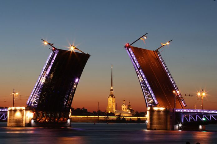 Evening St. Petersburg, view of the Palace Bridge and the Peter and Paul Fortress, St. Petersburg, Russia